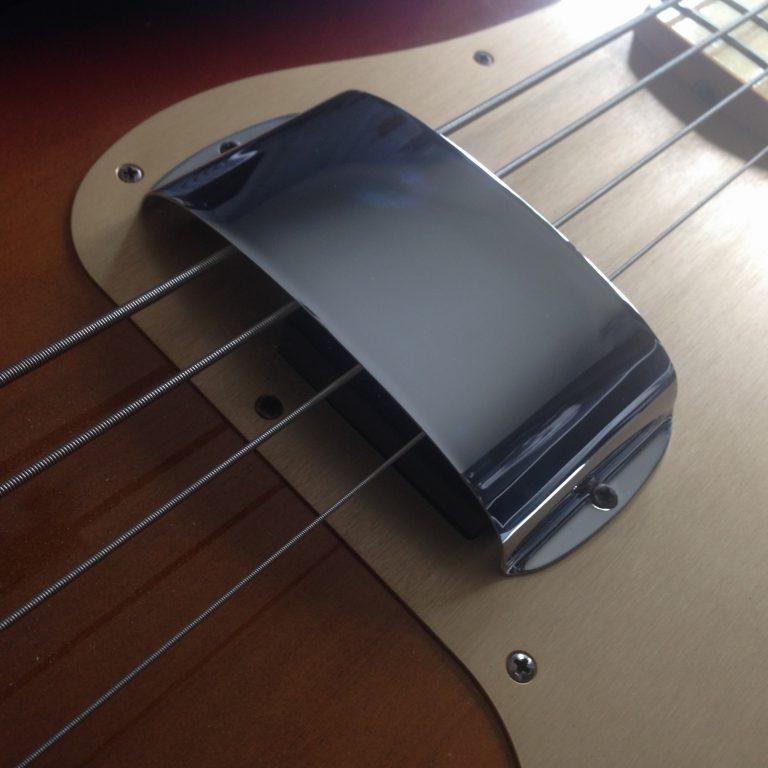 Fender_Precision